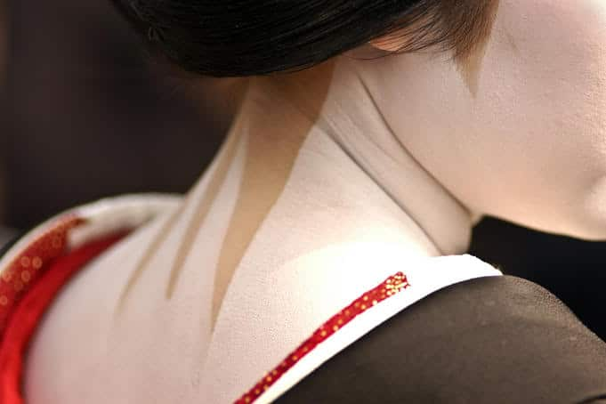 geisha nape of neck