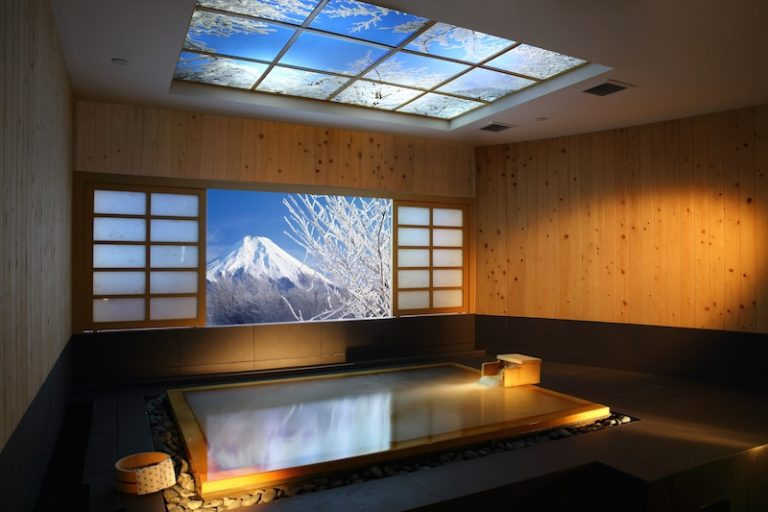 best luxury day spa - hinoki onsen bath