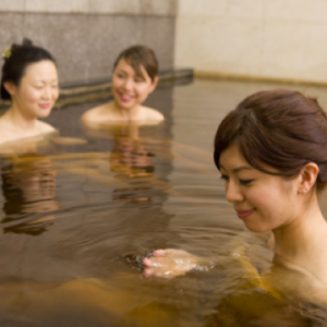 Japanese Onsen: 3 Tips to Nail Your First Experience for Shy Foreigners